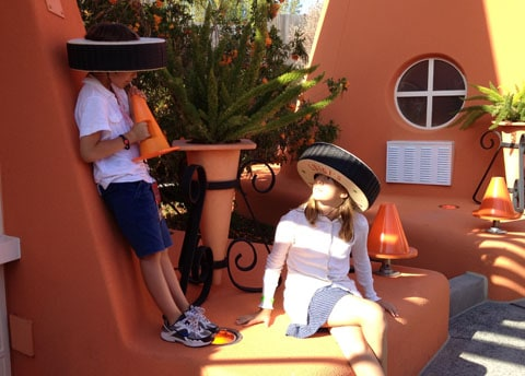 Cosy Cone Motel Cars Land