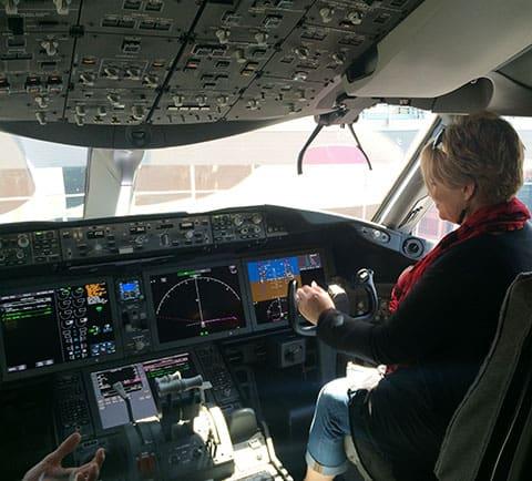 Dreamliner 787-9 cockpit