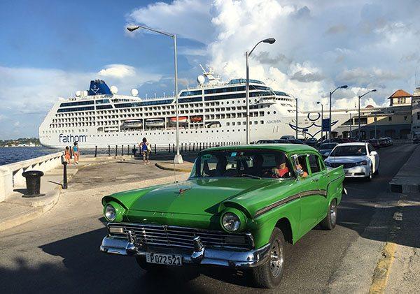 Cruising in Cuba