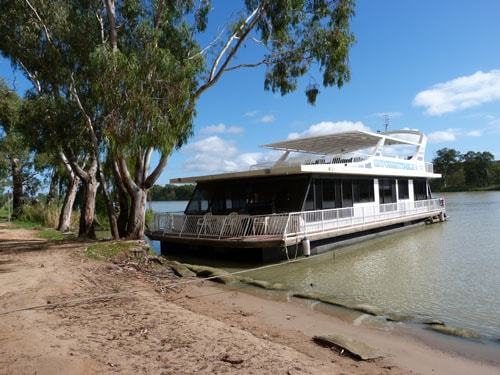 Unforgettable Houseboat Murray River