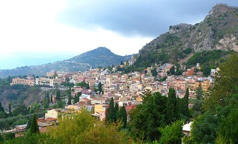 Taormina houses